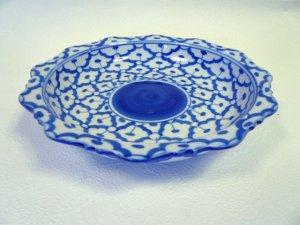 画像1: 青白陶器      皿 花型 (中)21cm