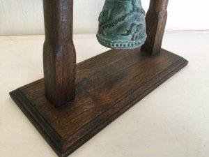 画像4: 象の釣鐘と天然木の置物